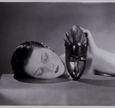Man Ray fotográfiái december 8-tól a Modemben